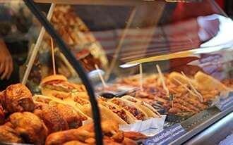 שוק אוכל מספר 9 - Markthalle Neun
