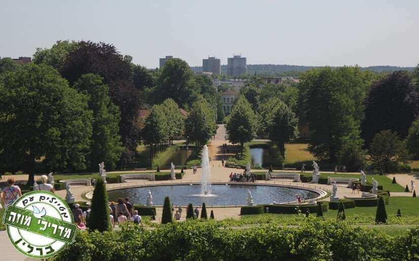 ארמון סנסוסי והגנים