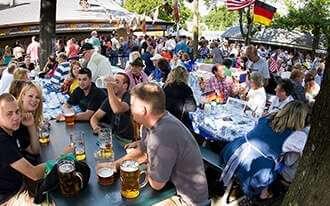 החודש בברלין : מסיבת הקיץ נמצאת בעיצומה